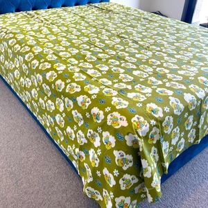 Very good quality bedsheet.300TC! Delivery at home